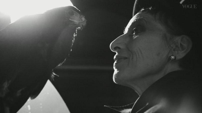 我妻マリ – VOGUE JAPAN 2017.12月号 The Noir of MARI メイキング2