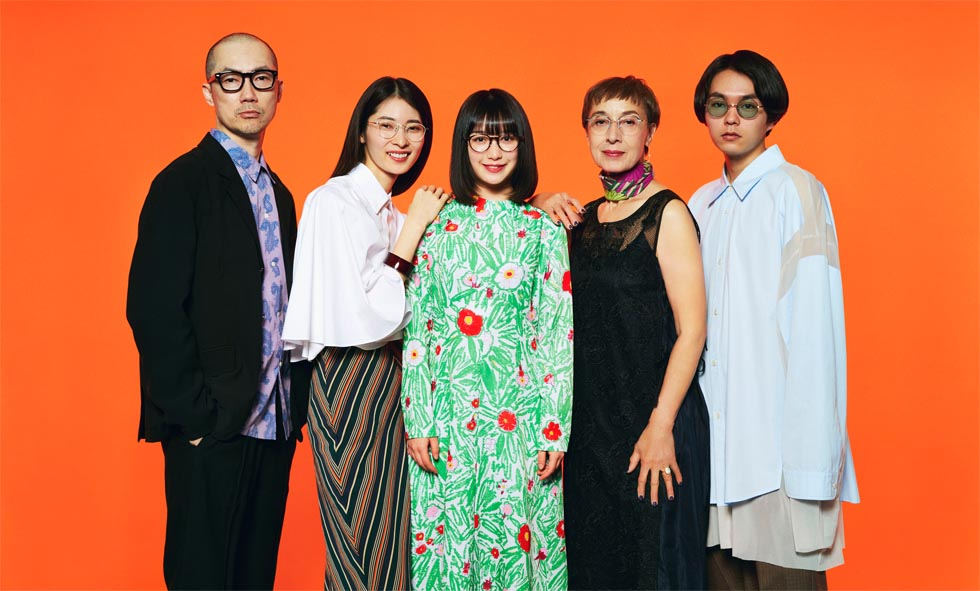 我妻マリ – BEAMS DESIGN 2019 EYEWEAR