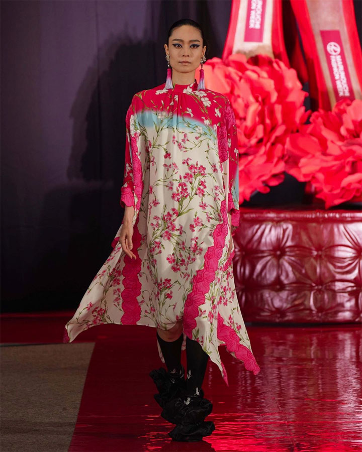 安宅葉奈 – Yumi Katsura Paris Couture