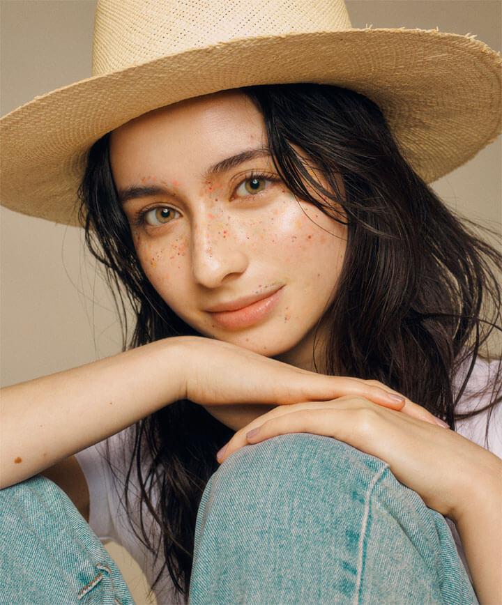 メーガン花子 – Beauty freckles